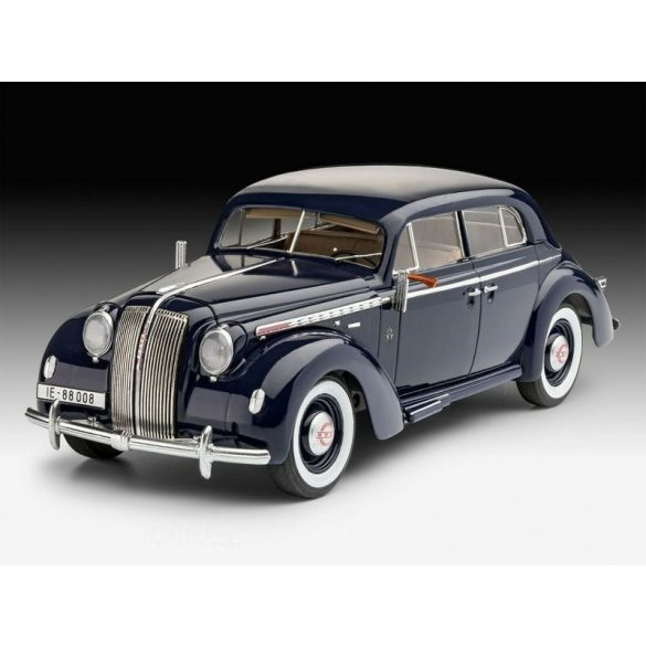 Revell 07042 Luxury Class Car Admiral Saloon