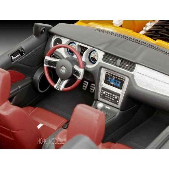 Revell 07046 Ford Mustang GT 2010