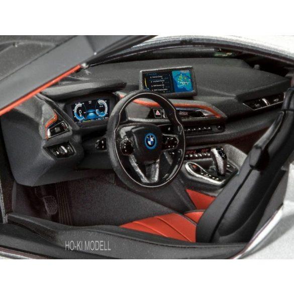 Revell 07670 BMW i8