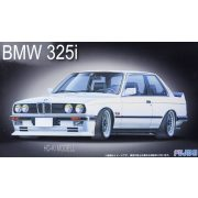 Fujimi 126104  BMW 325i E-30 2 Door Saloon
