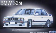 Fujimi 126104  BMW 325i E-30 2 Door Saloon