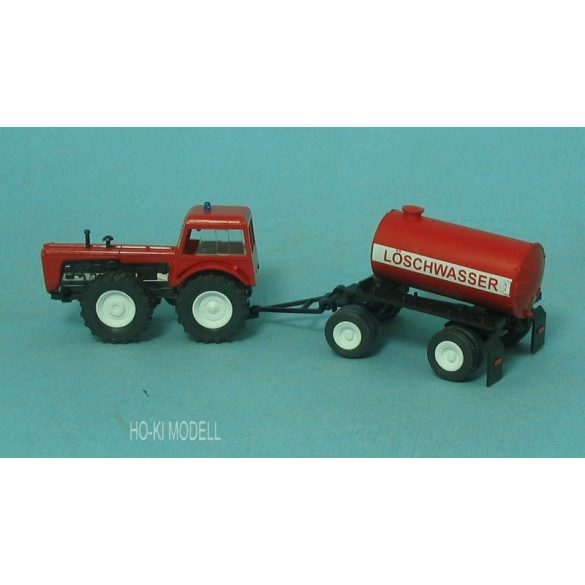 Modelltec Dutra D4K Tűzoltós Traktor Pótkocsival