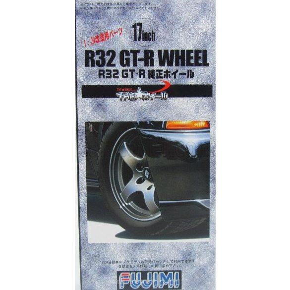 Fujimi 193199  R32 GT-R Genuine Wheel 17inch felni és gumi készlet