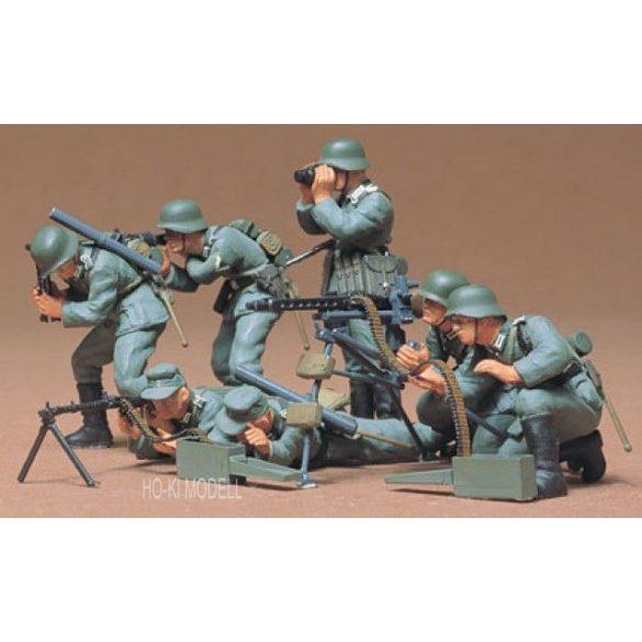 Tamiya 35038  German Machine Gun Troops Infantry