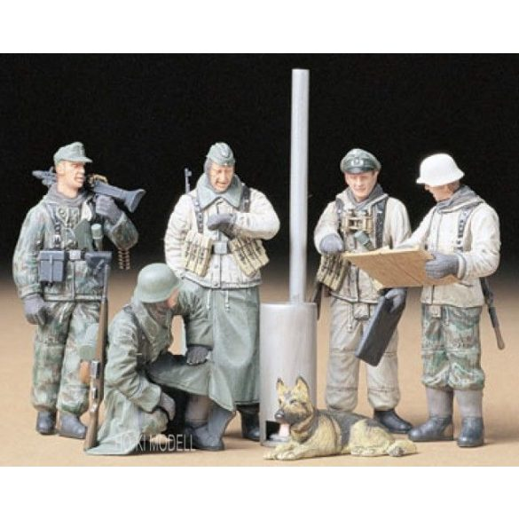 Tamiya 35212  German Soldiers At Field Briefing 5db figura