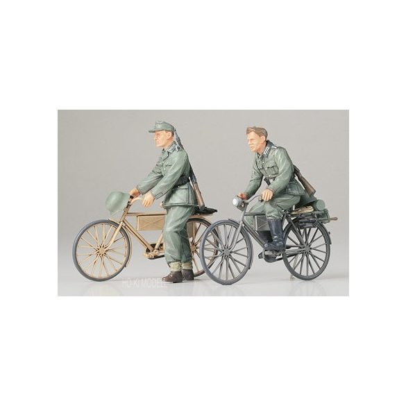 Tamiya 35240  German Soldiers with Bicycles