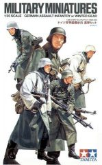 Tamiya 35256  German Assault Infantry (Winter)