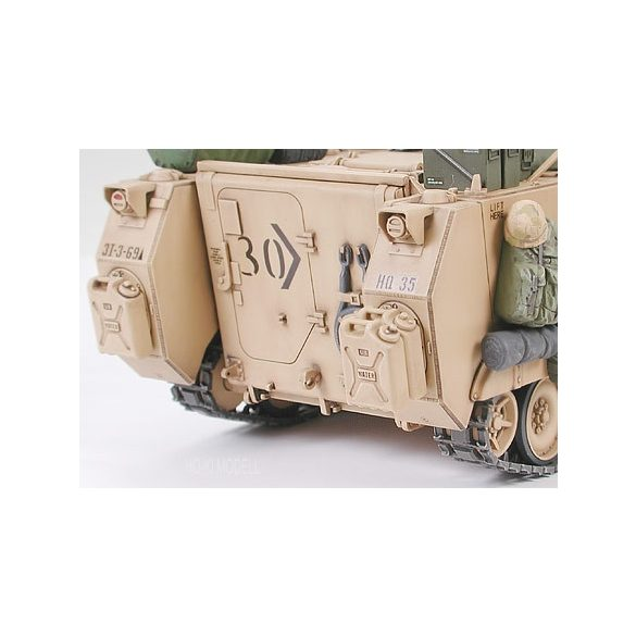 Tamiya 35265 M113A2 Armored Personnel Carrier Desert Version