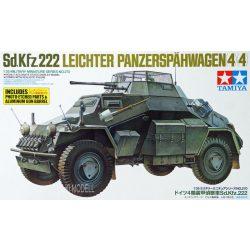 Tamiya 35270 Sd.Kfz.222 Leichter Panzerspahwagen (4x4)