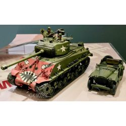 Tamiya 35359  M4A3E8 SHERMAN EASY EIGHT KOREAN WAR Rice's Red Devil+GAZ-67B