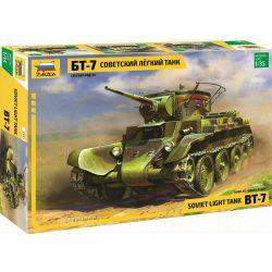 Zvezda 3545 Soviet WWII Light Tank Bt-7