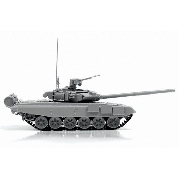 Zvezda 5020 Russian Main Battle Tank T-90