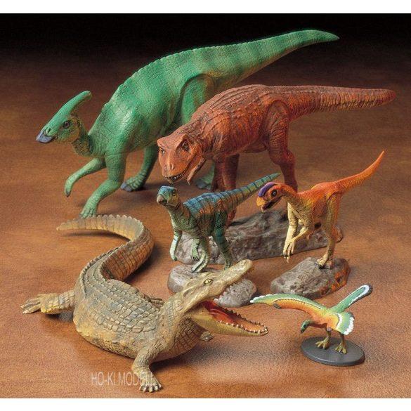 Tamiya 60107  Mesozoic Creatures - Dinosaur Diorama Set