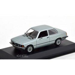 Maxichamps 940025472 BMW 323I – 1975