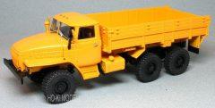 AIST URAL 43202 Orosz 6X6 Platós  Teherautó