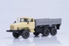 AIST  Ural 43202-31 (YaMZ 238 engine) Platós Teherautó