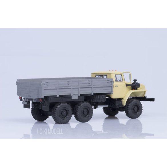 AIST 1076  URAL 43202-31 (YaMZ 238 engine) Platós Teherautó